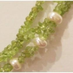 boucles d'oreille péridot  et perles d'eau douce