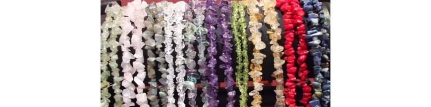 perles et chips de pierres naturelles
