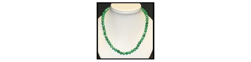 collier en perles de pierres fines
